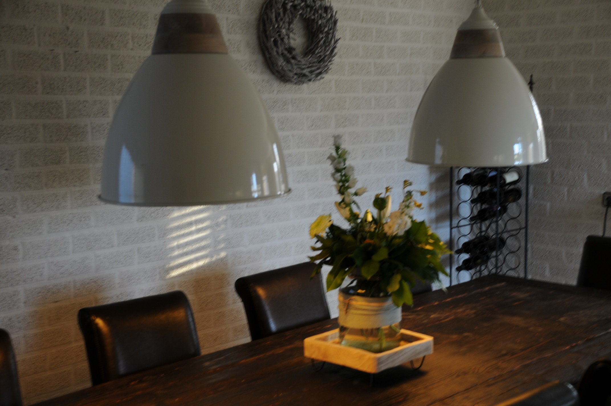 By Boo Lampen : Prachtige by boo hanglamp metaal room wit hout afzetting