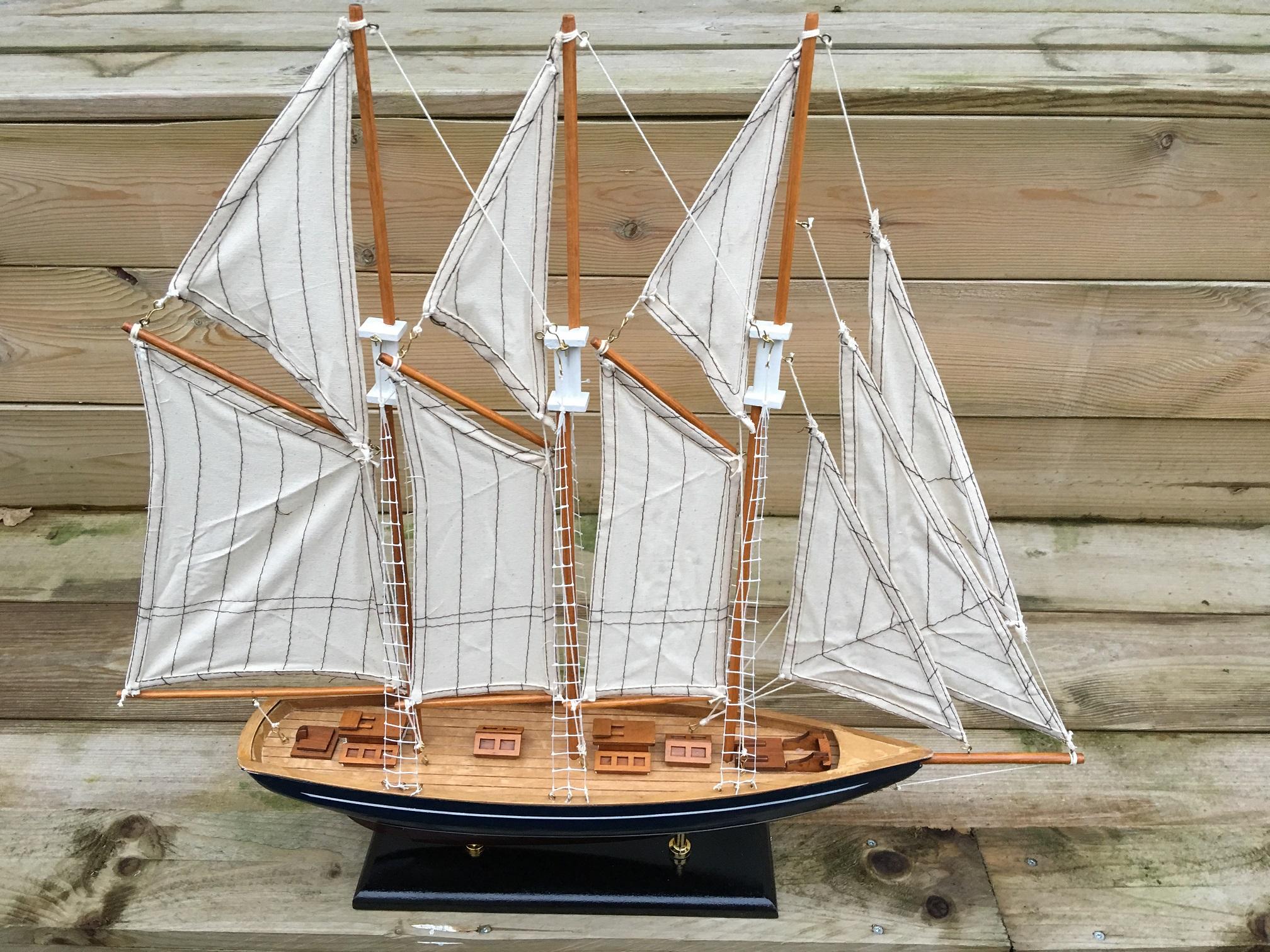 Zeilboot 3 master marco polo op stand handgemaakt zeer for Decoratie zeilboot