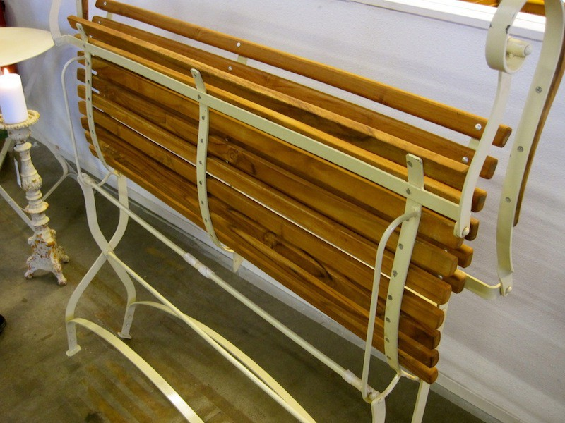 Antieke Teak Tuinbank.1 Tuinbank Met Armleuningen Met Teak Metalen Frame In Creme Wit Countryclassicdesign Eu