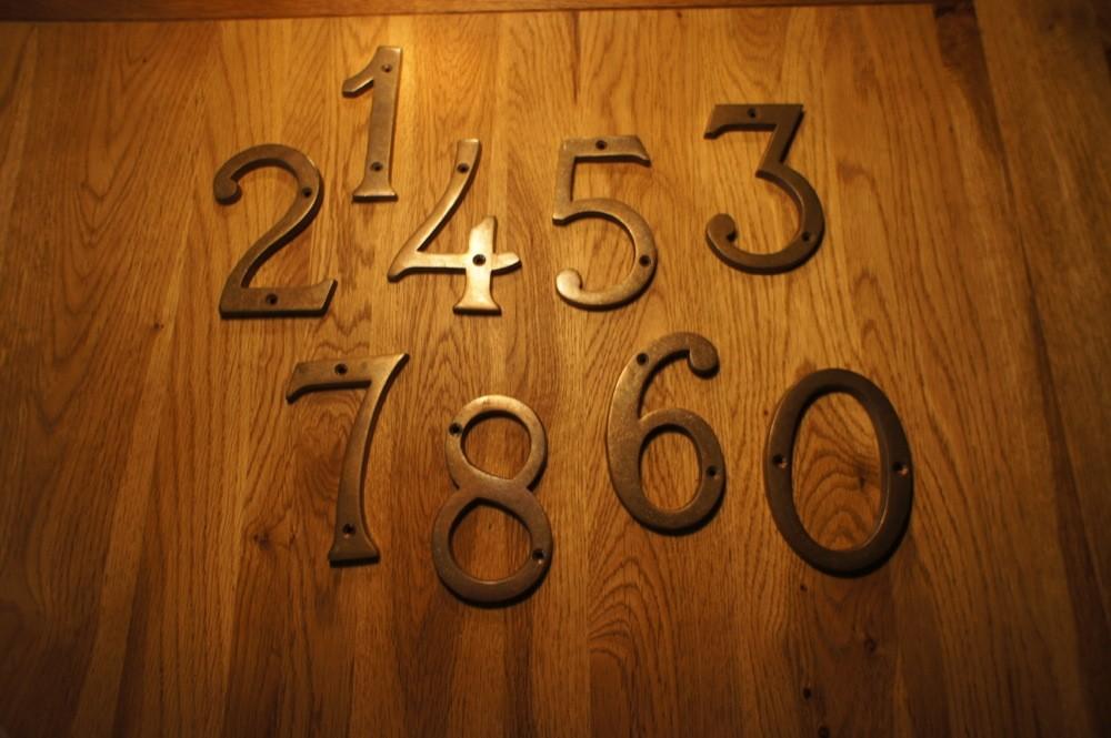 Tags huisnummers messing huisnummer antiek cijfers cijfers cijfers antiek antieke - Decoratie gevel exterieur huis ...