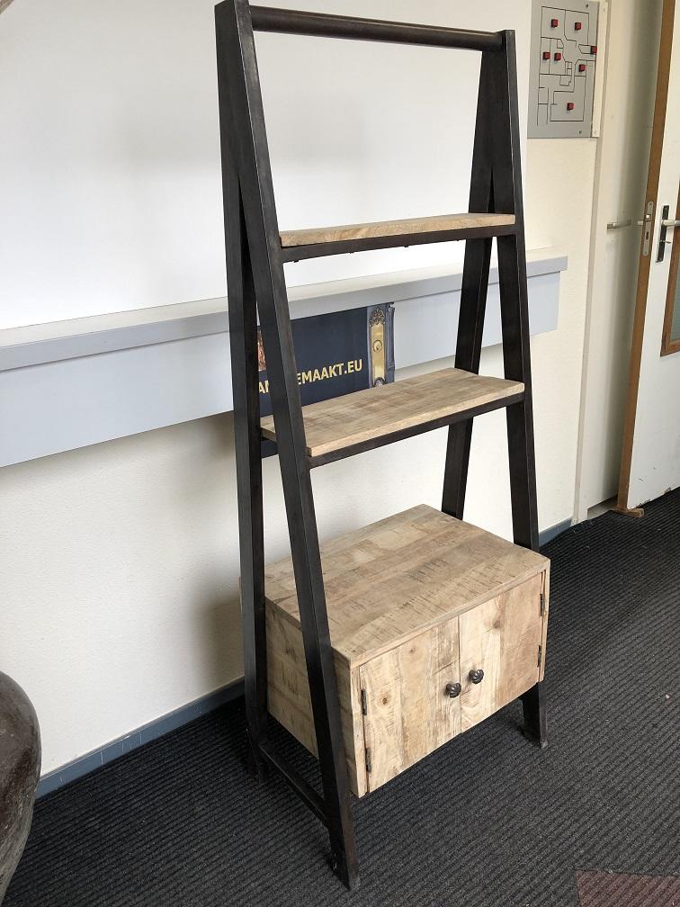 Display Rack 3 Etages Industrieel 1 X Kast Metalen Frame