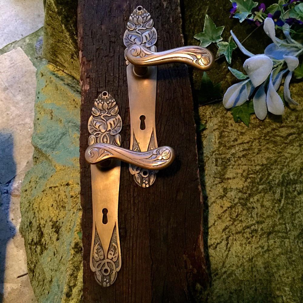 Oude Messing Deurklinken.Tags Art Nouveau Deurbeslag Messing Oude Deuren Accessoires Art Nouveau Herstellen Antiek Eeuwwisseling Montage Fittingen Antieke Deur